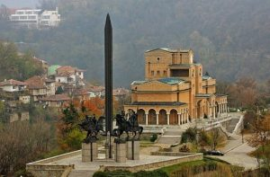 Asenevtsi monument and the Art Gallery