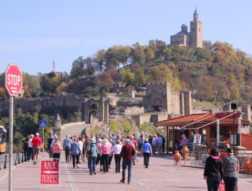 veliko tarnovo more tourists