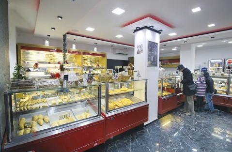 "Healthy snacks, desserts and bread offers the ""Trokadero"" bakery in Veliko Tarnovo"