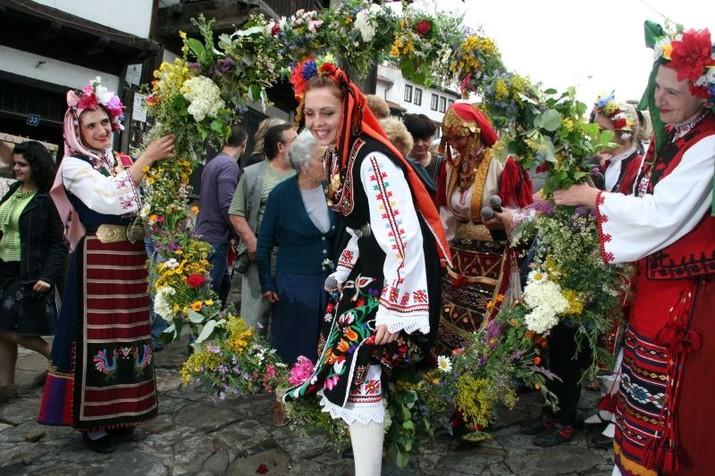 Celebrate Enyovden at the Samovodska Charshia in Veliko Tarnovo