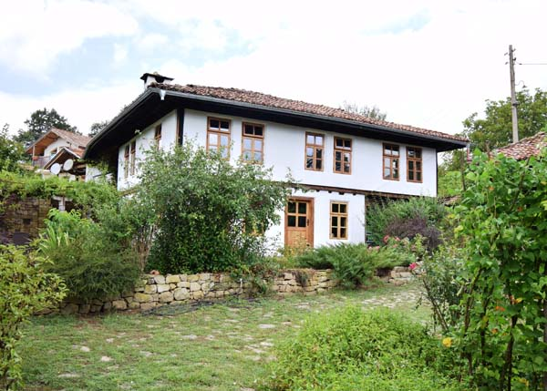The villages around Veliko Tarnovo are blooming because of COVID-19