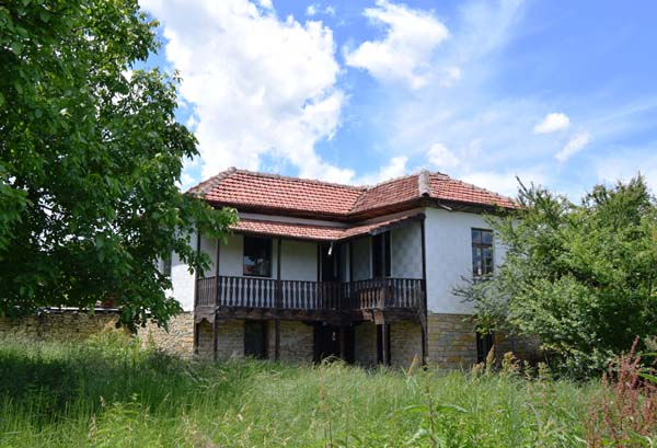 The villages around Veliko Tarnovo are blooming thanks to COVID-19