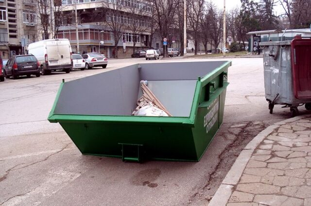 Containers for bulky waste