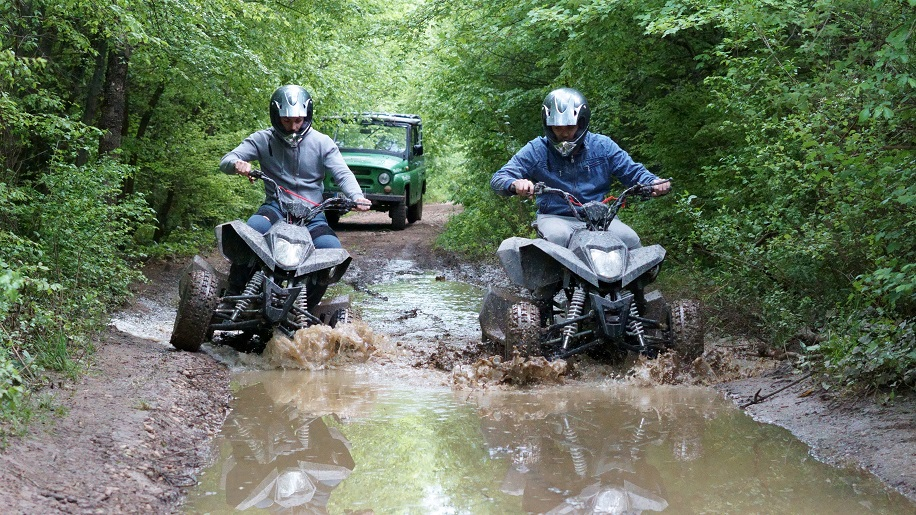 Off-road safari with buggies, ATVs and Jeeps on the hills of Arbanasi is the newest local attraction