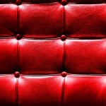 Texture-of-Red-Leather-Vintage-Sofa-620x395