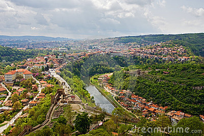 veliko-tarnovo-panoramic-view-17064338